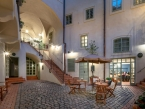 Blue Oak Apartment Hotel